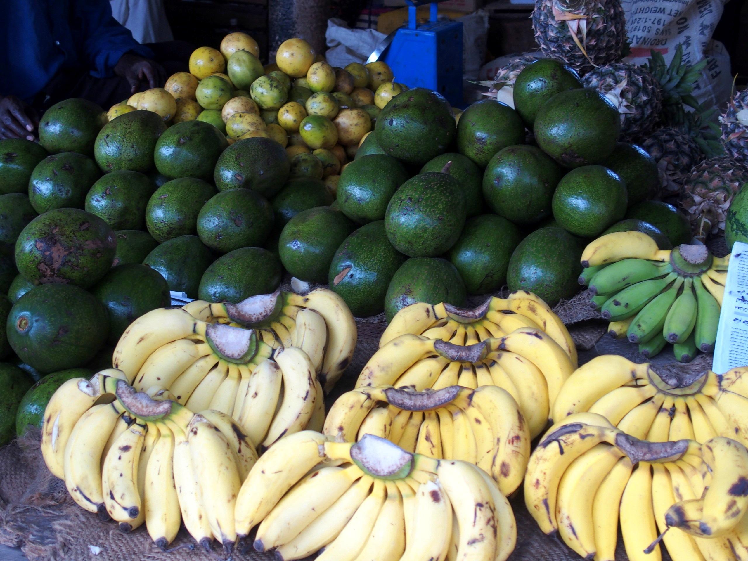 Fruits et légumes au marché de Stonetown Zanzibar.
