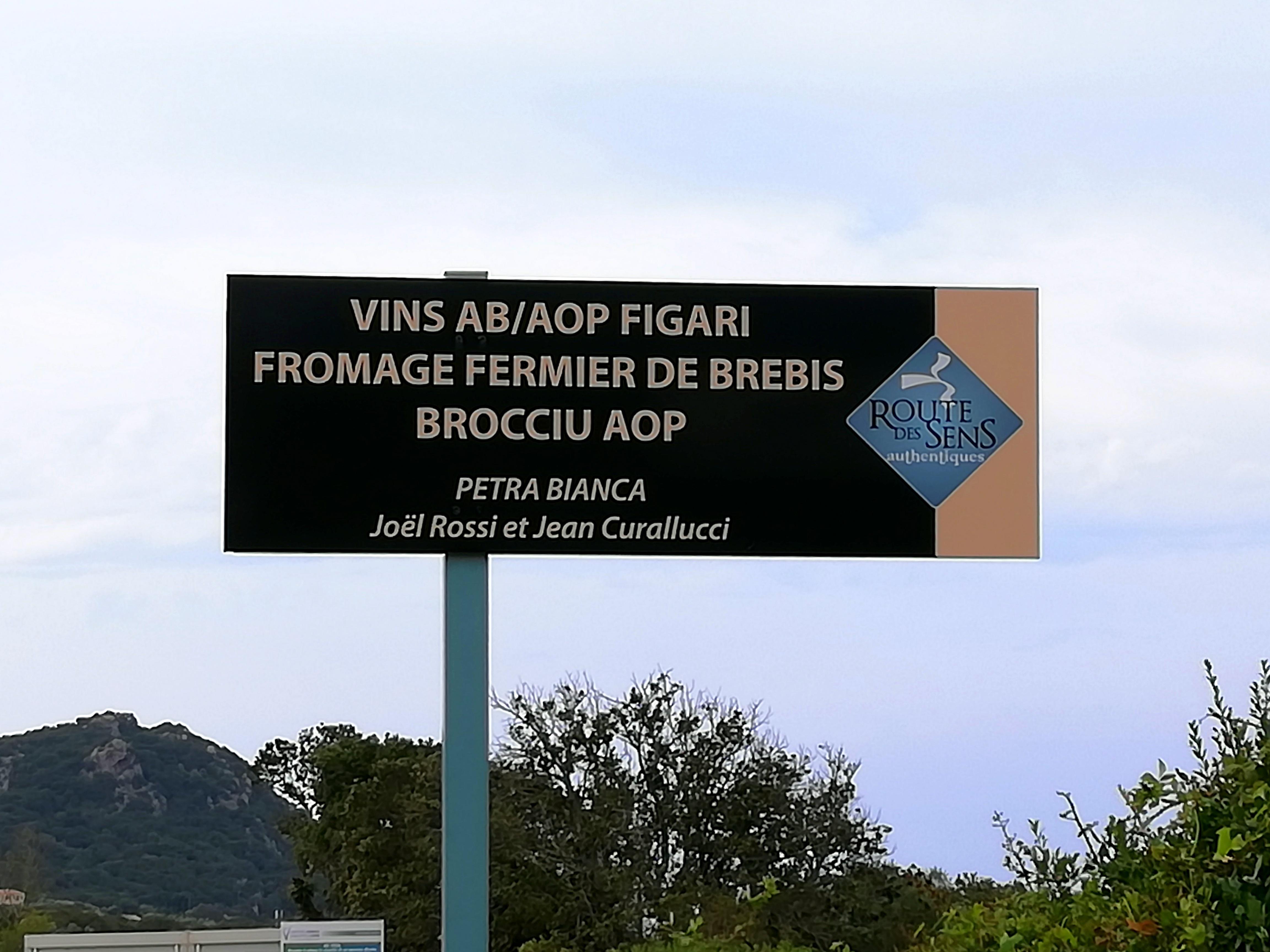 Panneau producteurs vin et fromages Route des Sens Corse