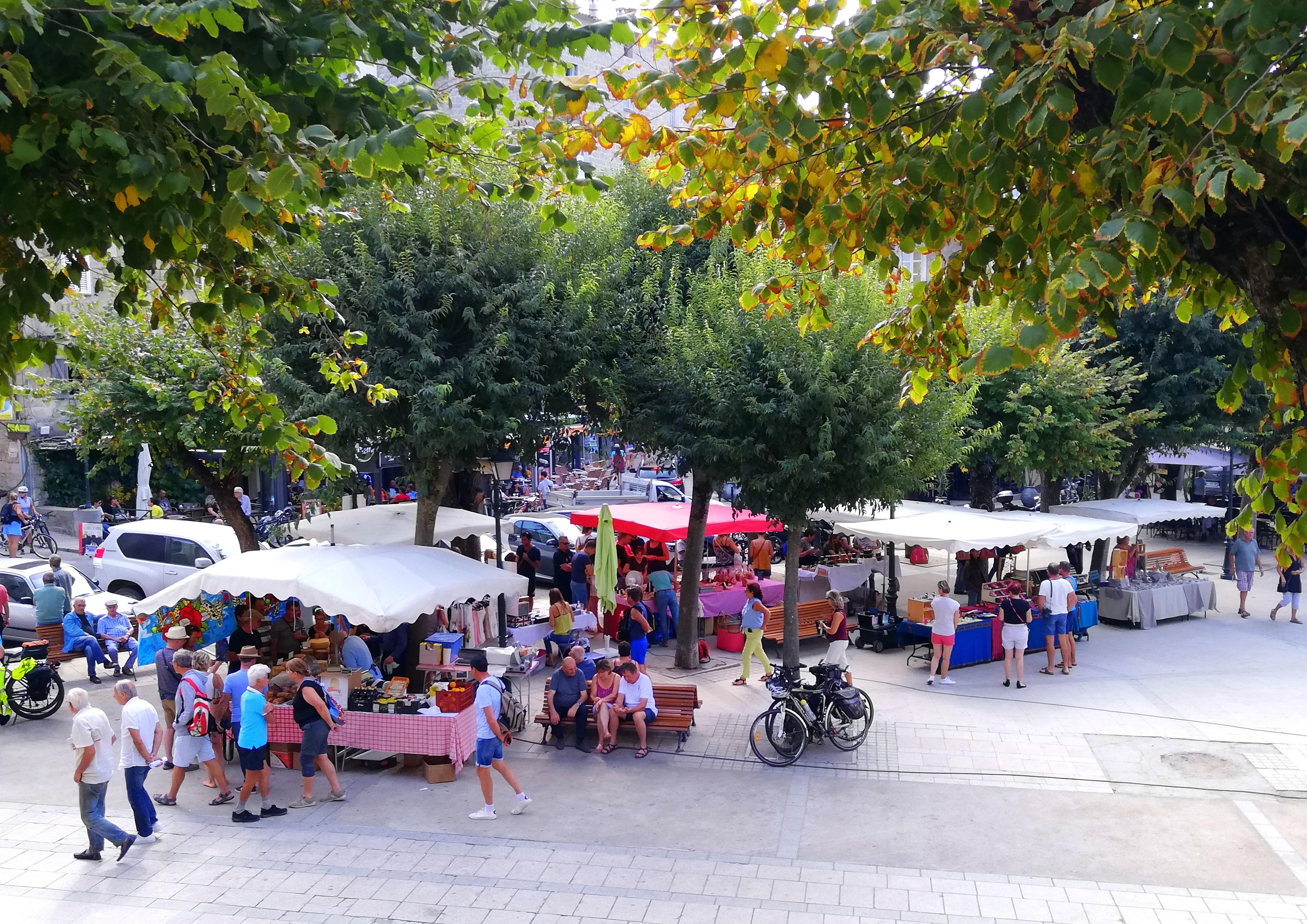Petit marché de Sartène Corse