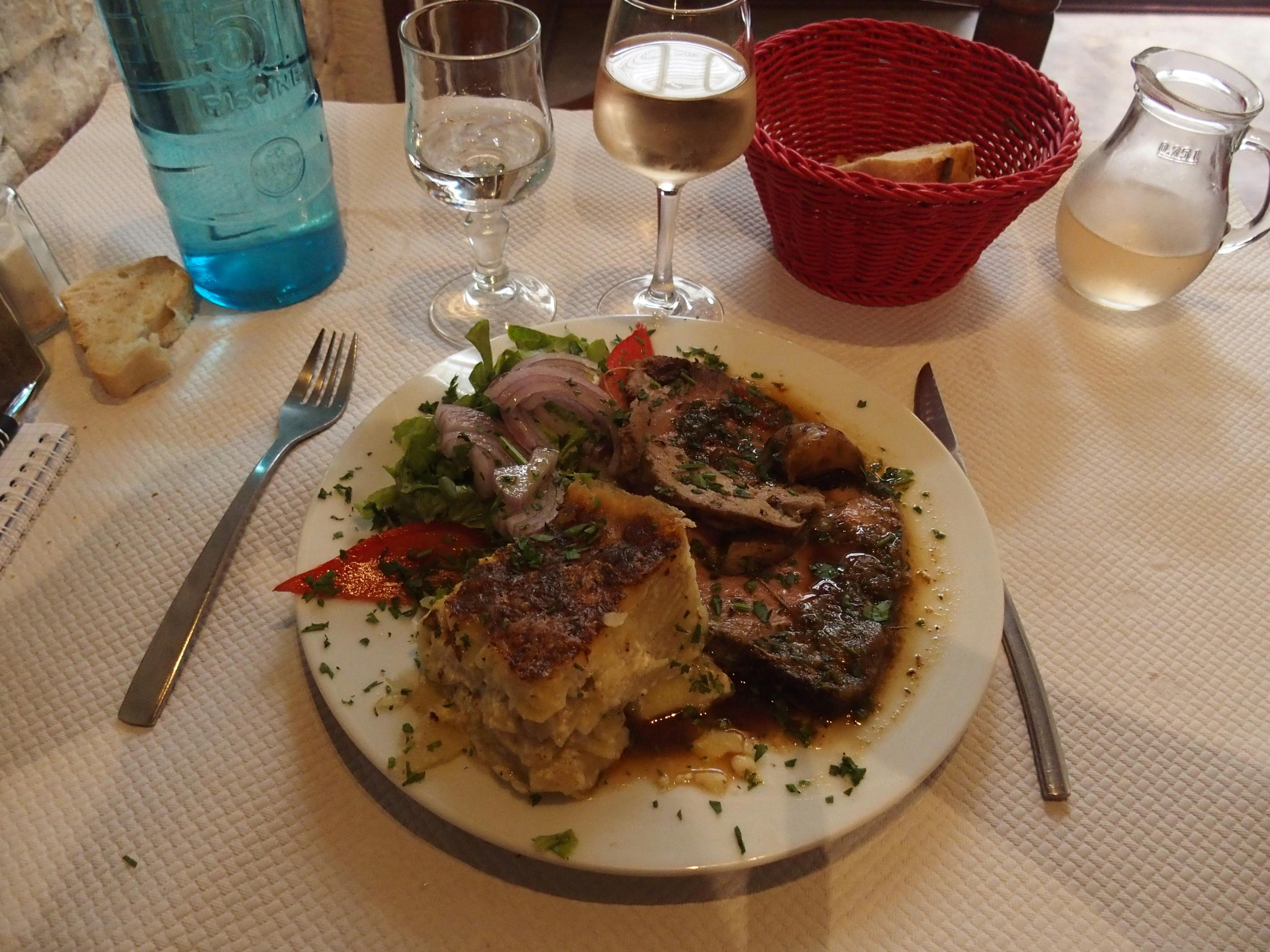 Slow Food avec dégustation d'un roti de veau dans Restaurant chez Jean Noel Sartène Corse