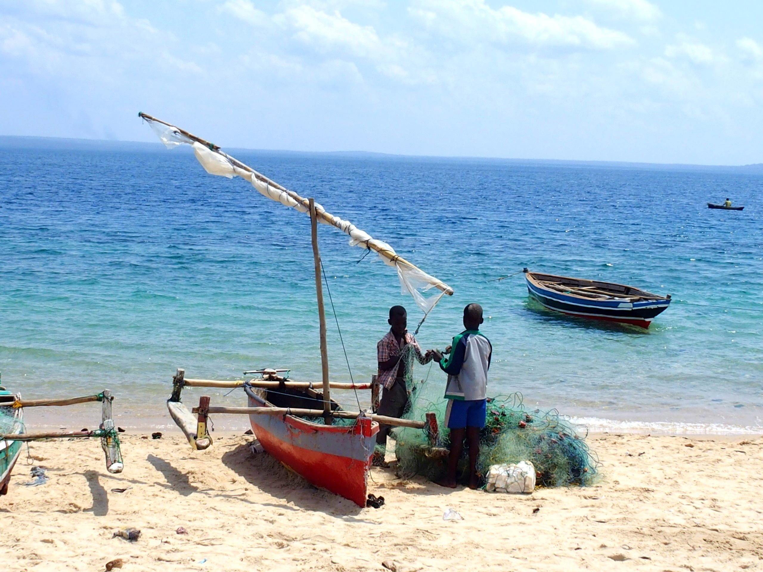 Rangement des filets plage Pemba Mozambique