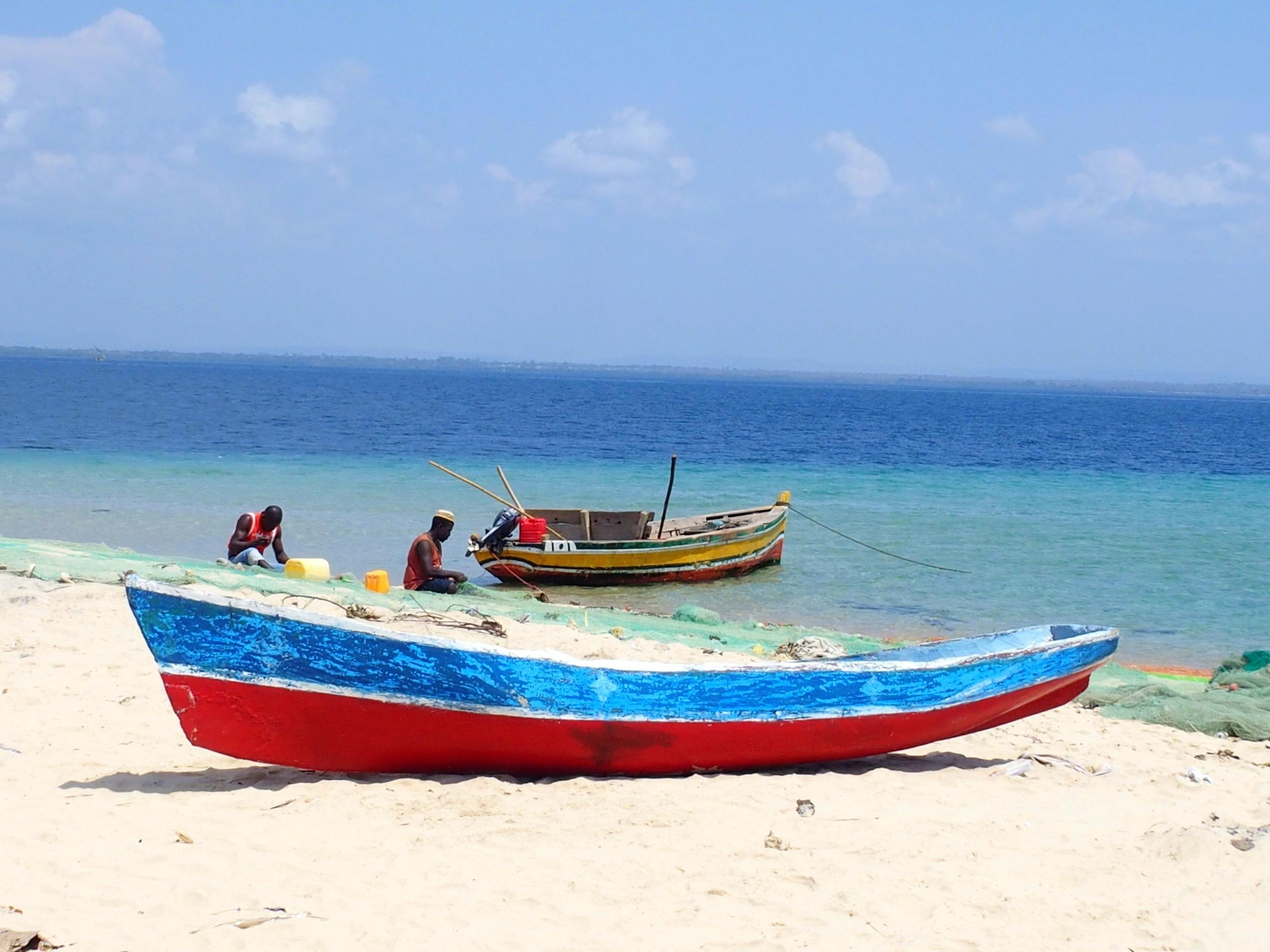 Remaillage des filets de pêche Pemba Mozambique