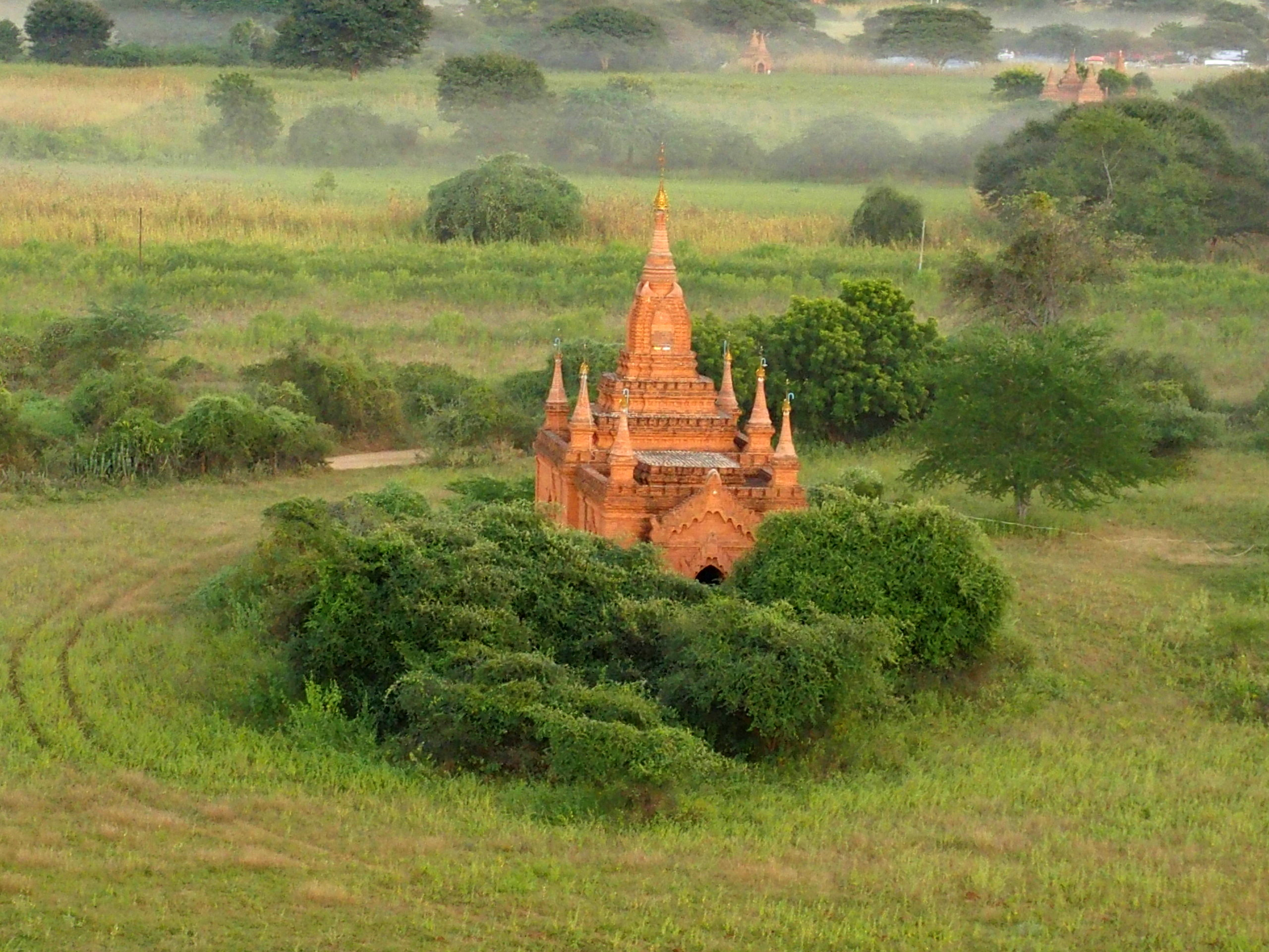 Petite-pagode-de-Bagan-Myanmar.
