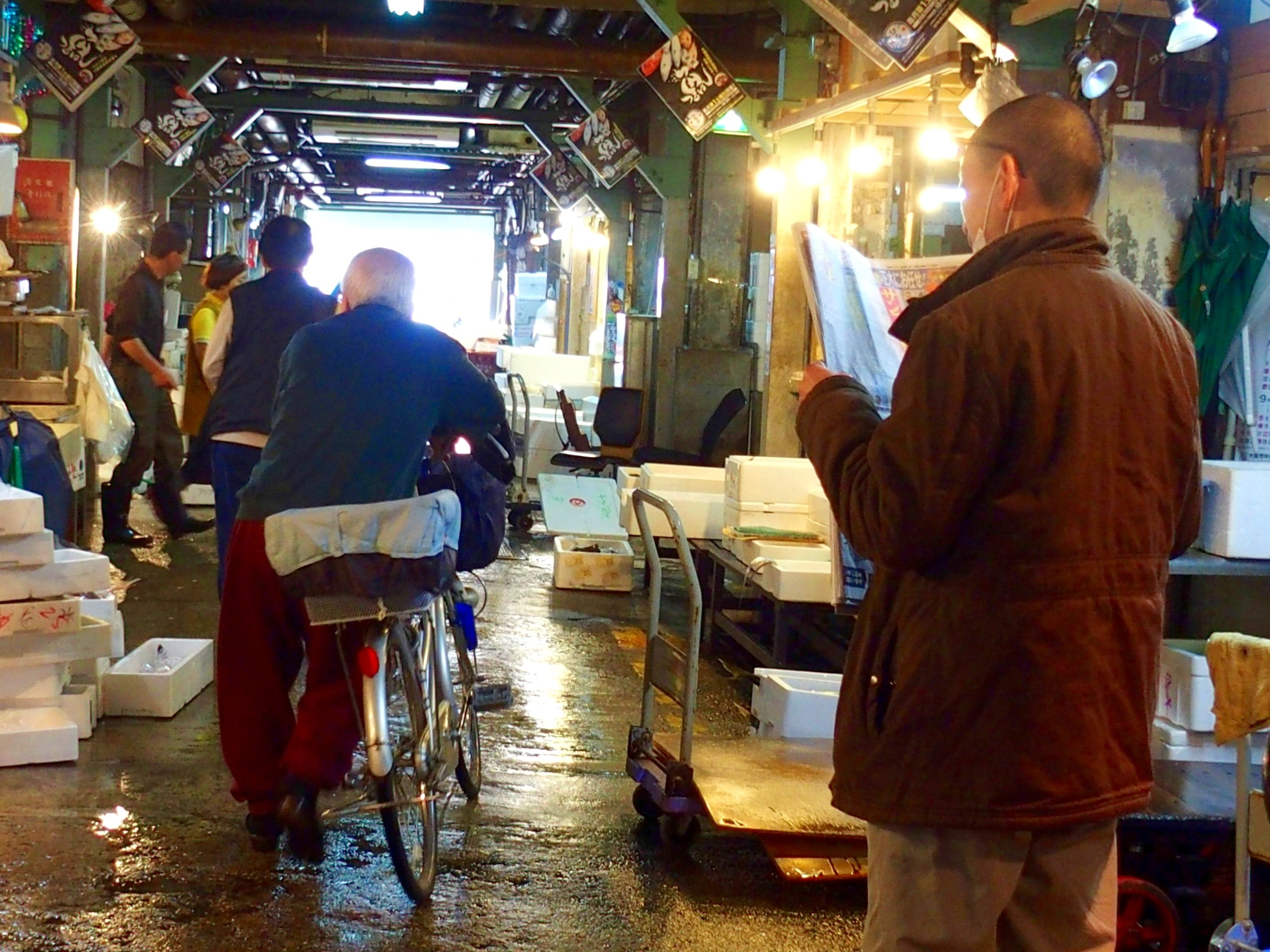 Ambiance sur marché visite d'Osaka Japon
