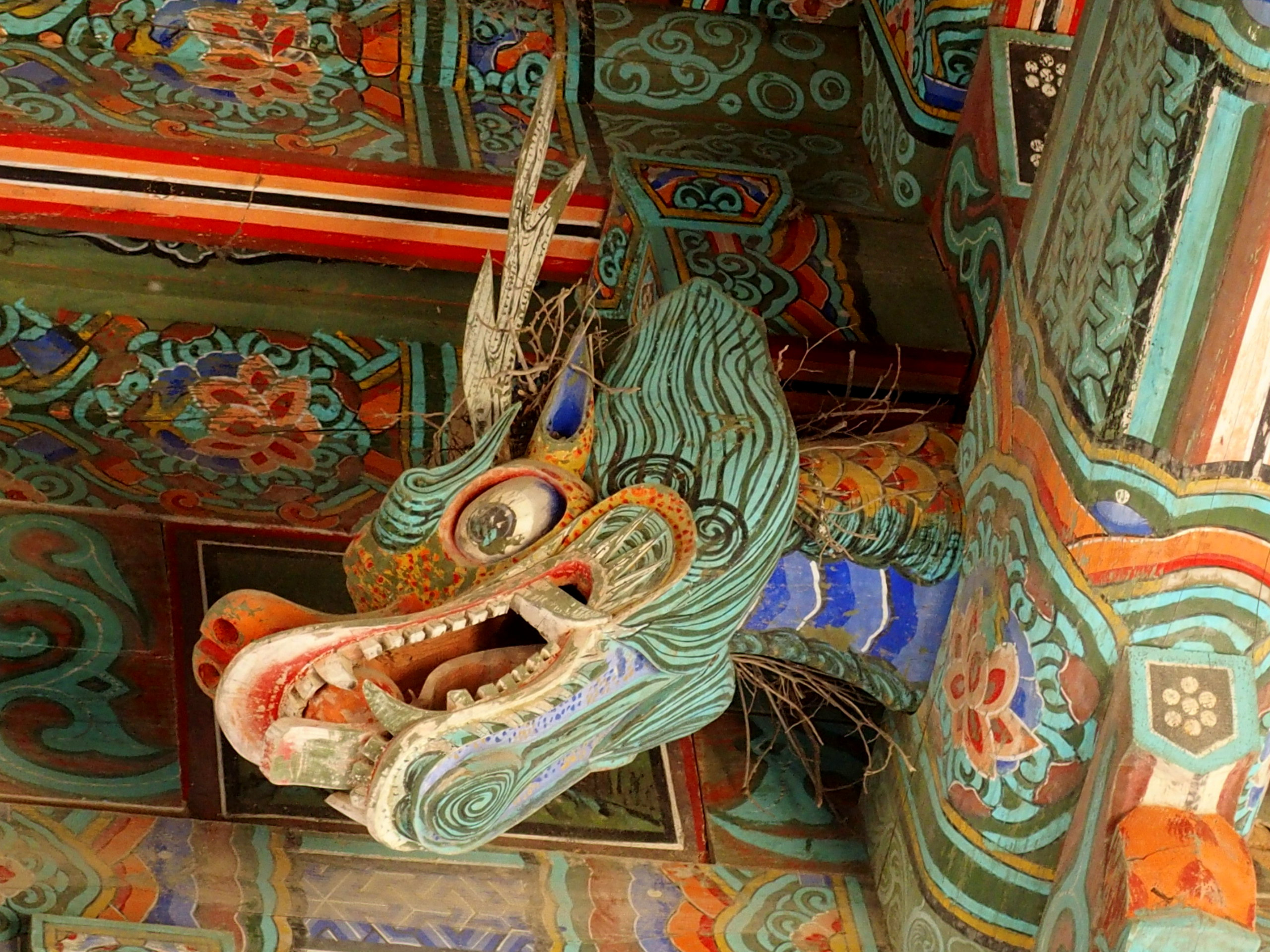 Tête de dragon plafond temple Bulguksa Gyeongju