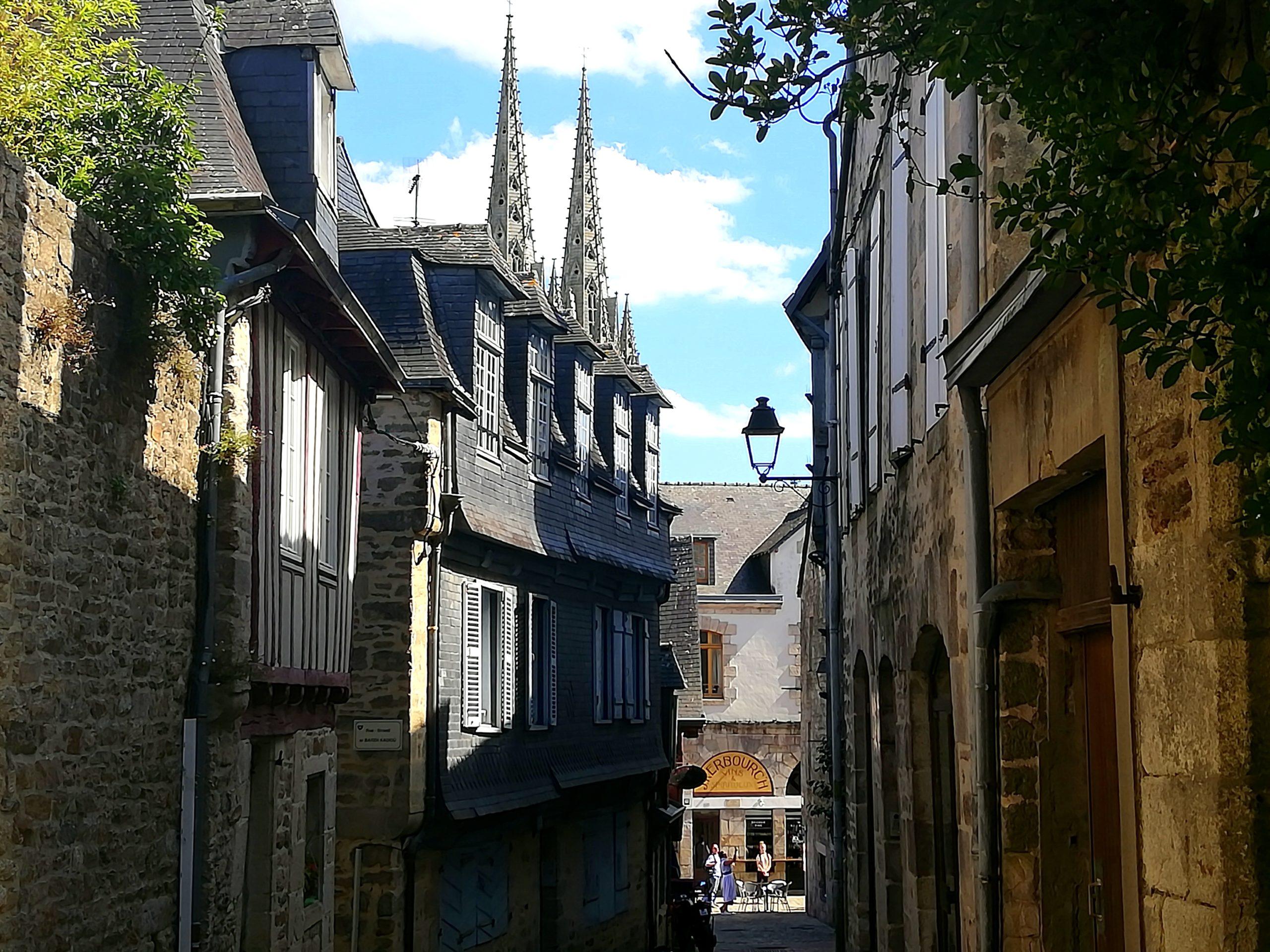 Que faire à Quimper visiter vieux quartiers Bretagne