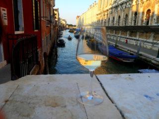 Tournée des bacari à Venise