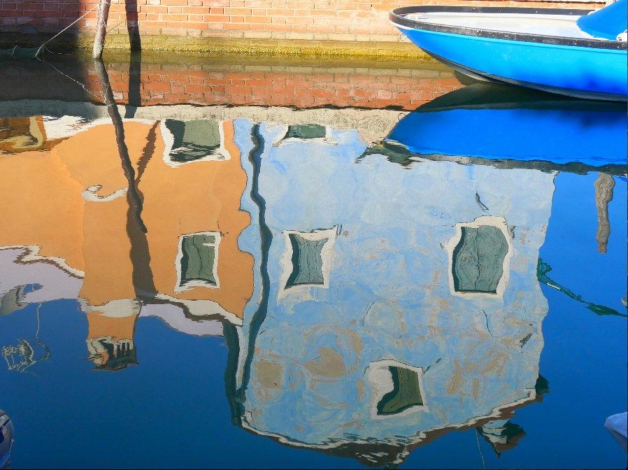 Reflets bleutés à Burano Venise