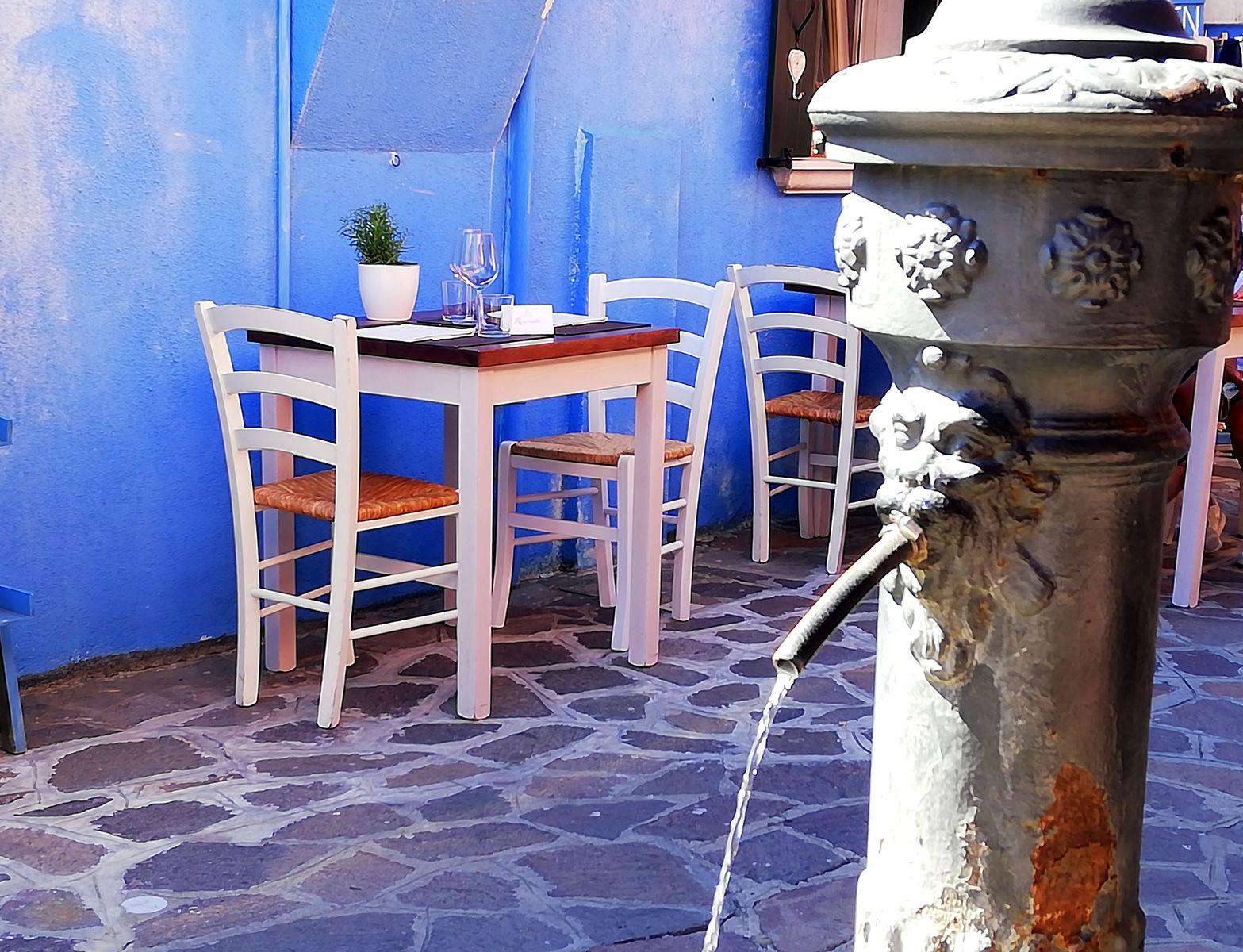 Visiter l'île de Burano et ses terrasses