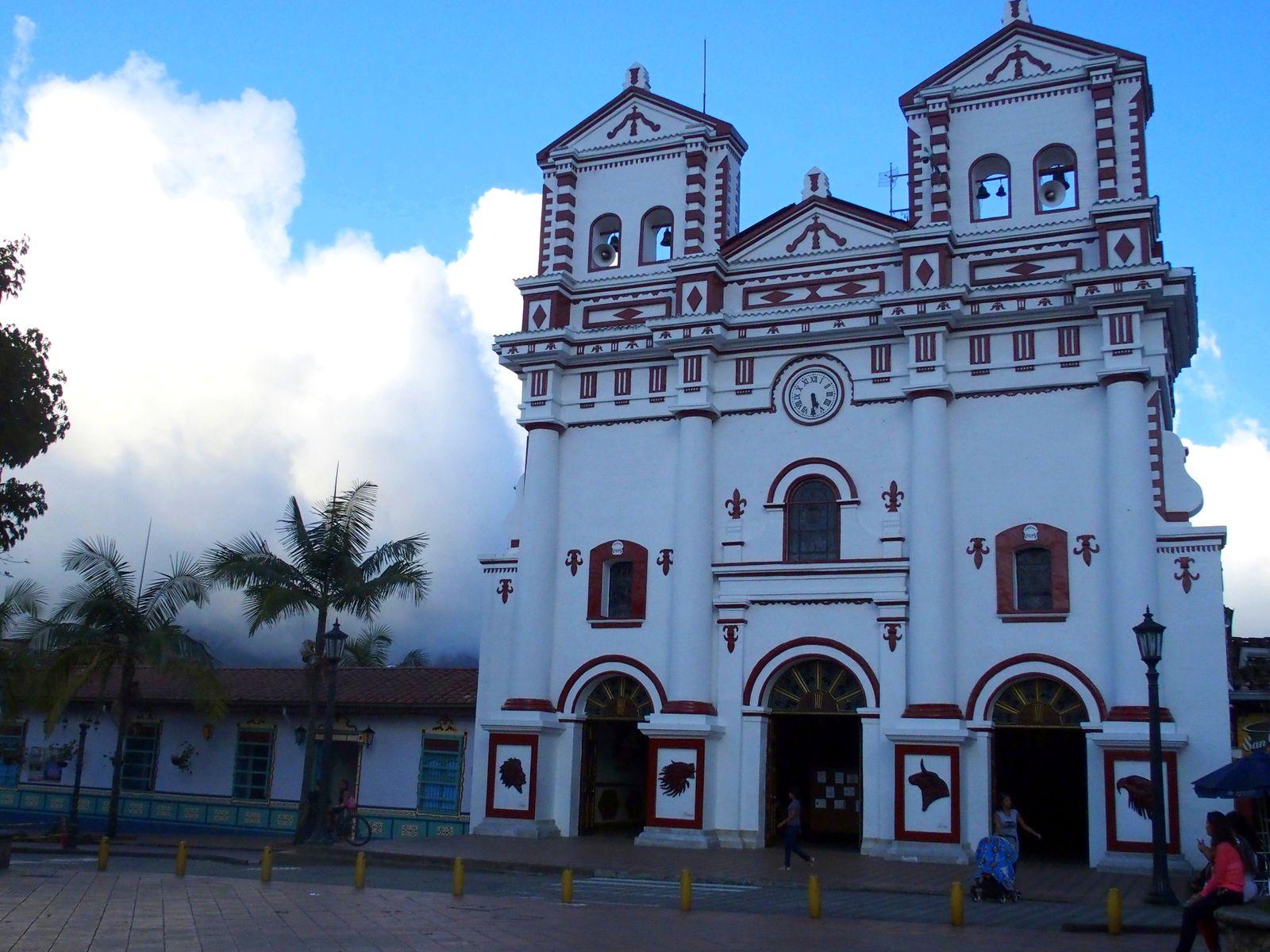 Visiter Salento et son église