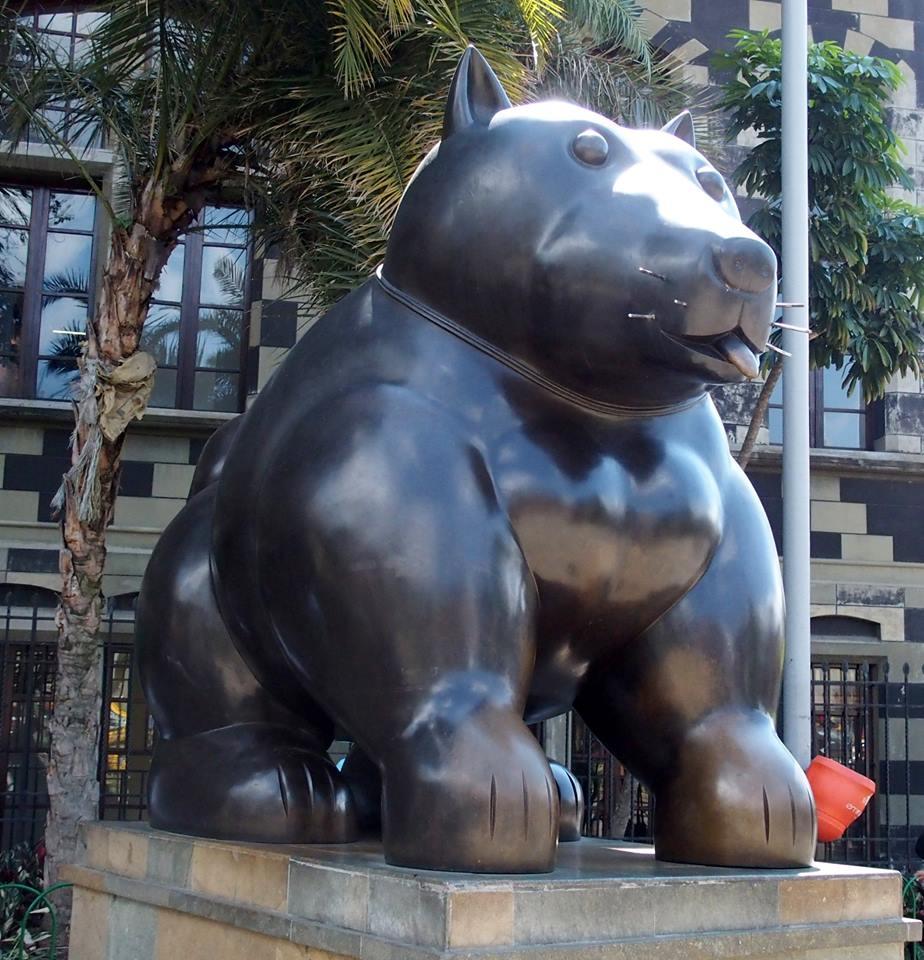 Sculptures Botero Le chien Medellin colombie