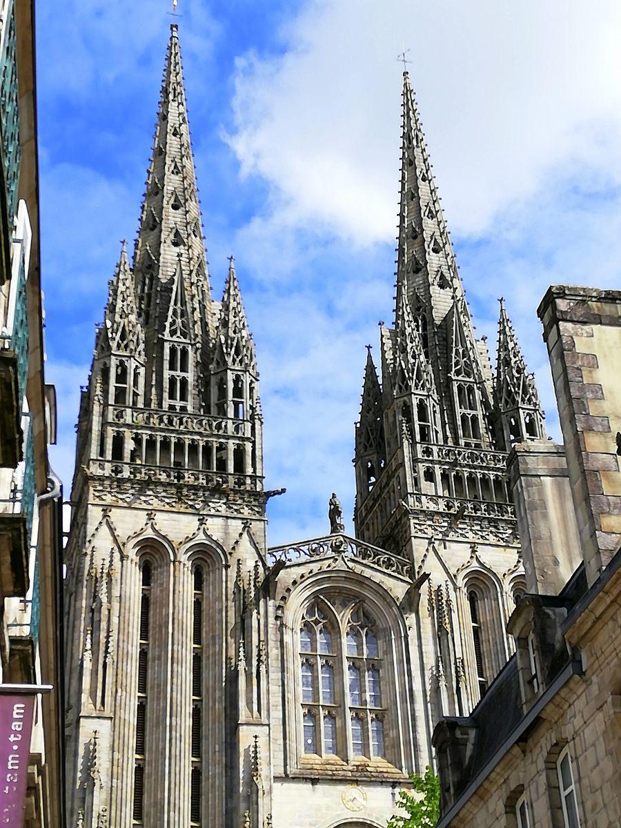Roi Gradlon et flèches cathédrale Quimper