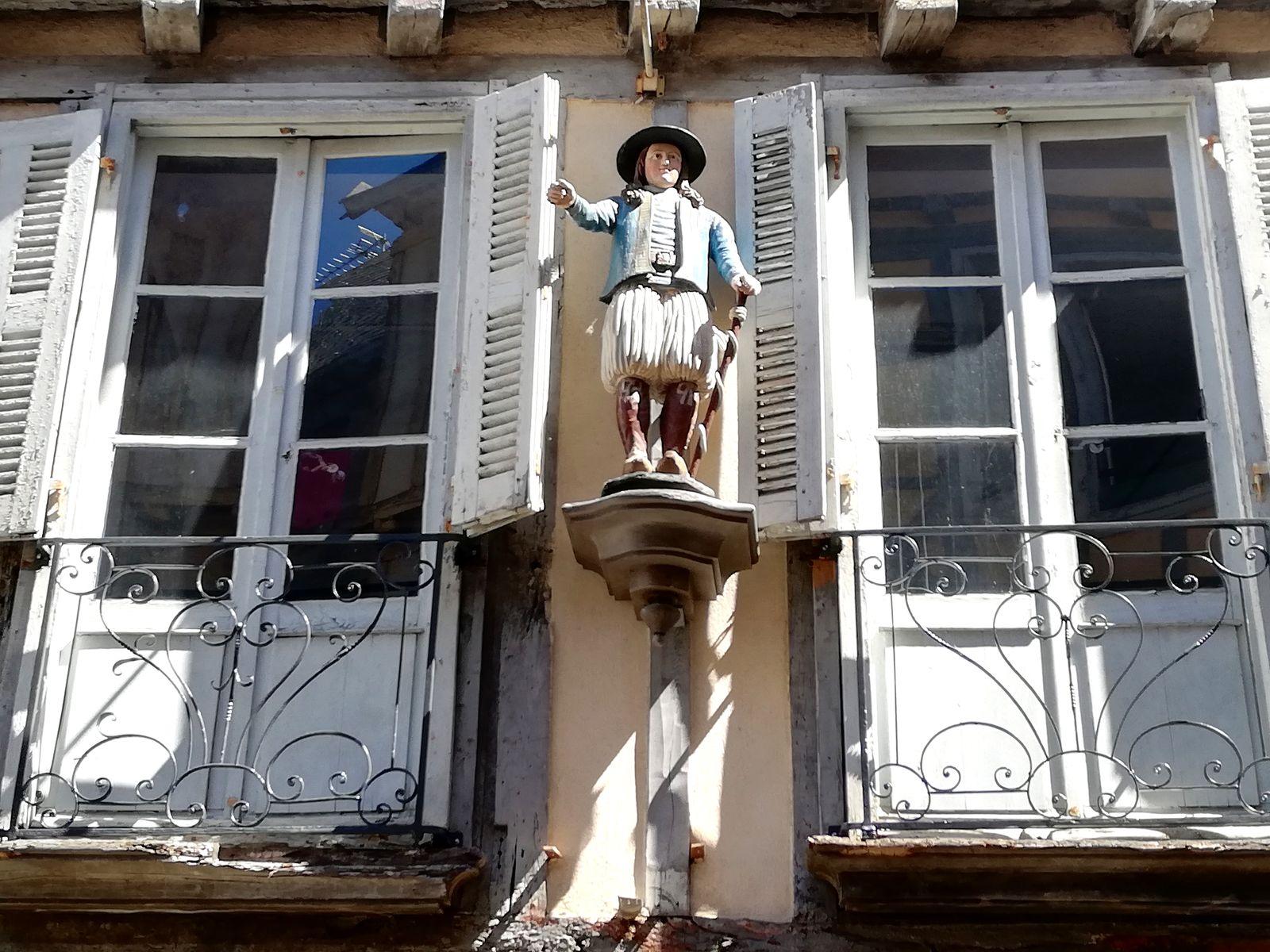 Statuette de breton Quimper