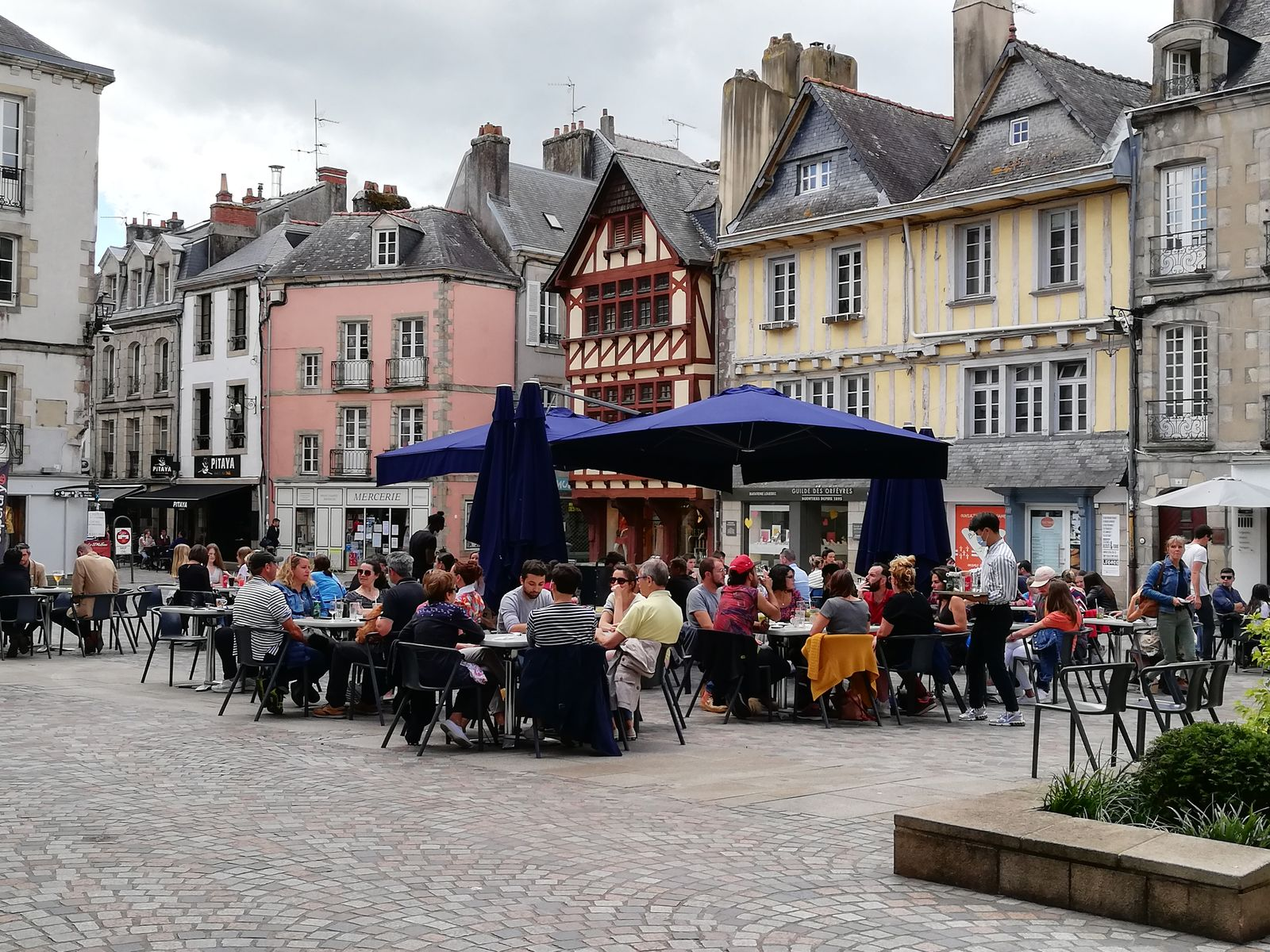 Terrasse Place Terre au Duc Quimper