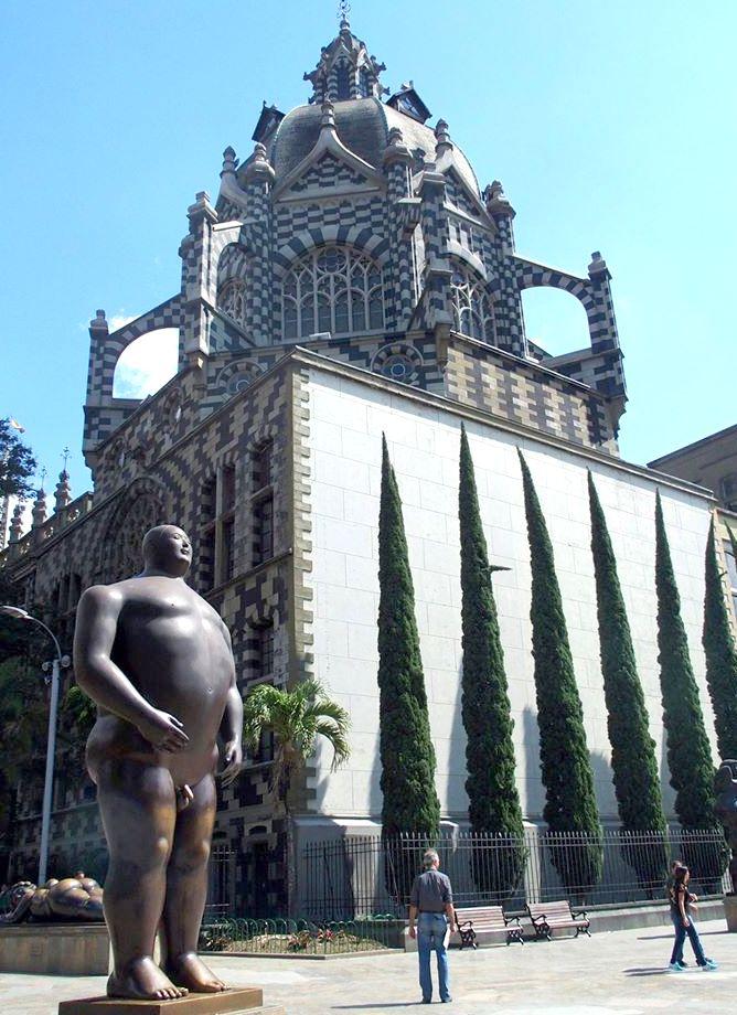 Adam sur Plaza Botero Medellin Colombie