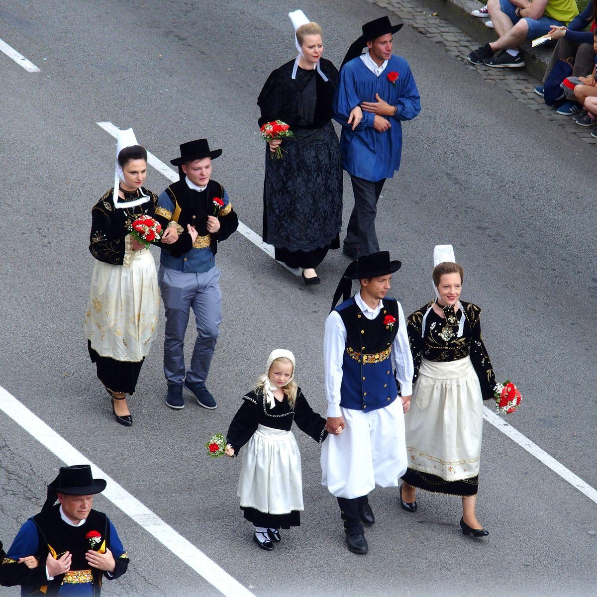 Costumes quimpérois Festival Cornouaille